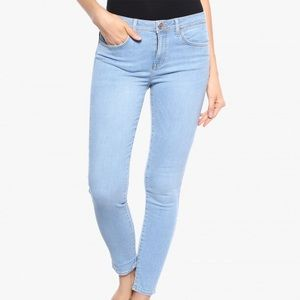 F21 Push-Up Skinny Jeans